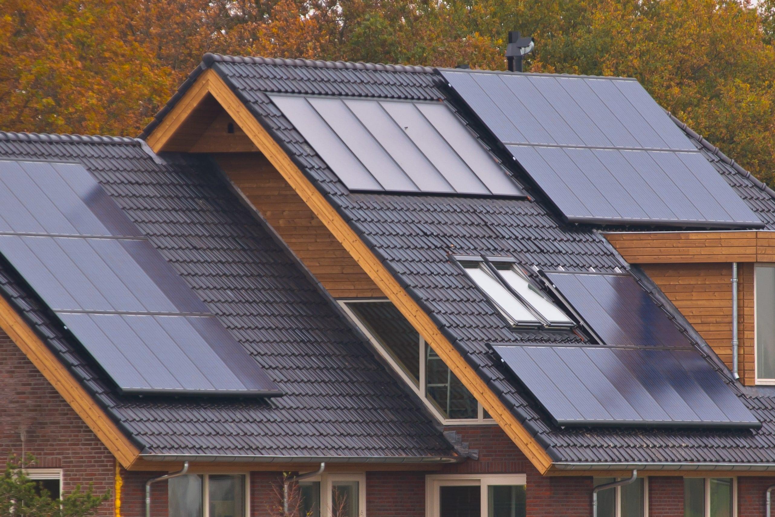 elektra šildomos grindys ir saulės elektrinė